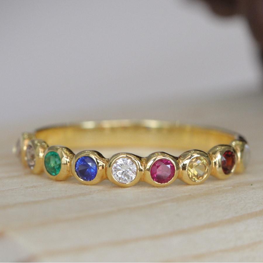 แหวนทองนพเก้า