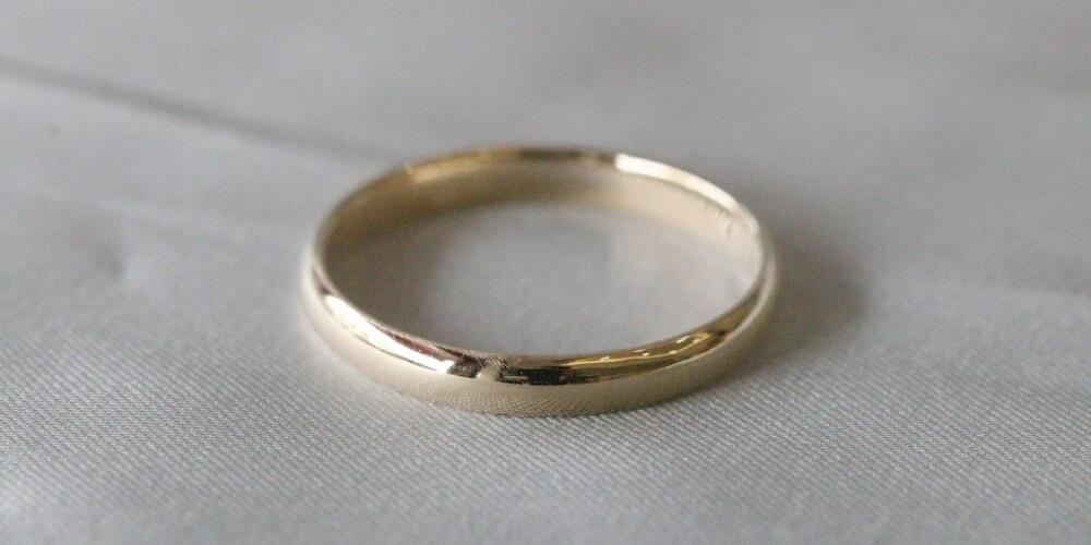 vanilla gold plain band ring
